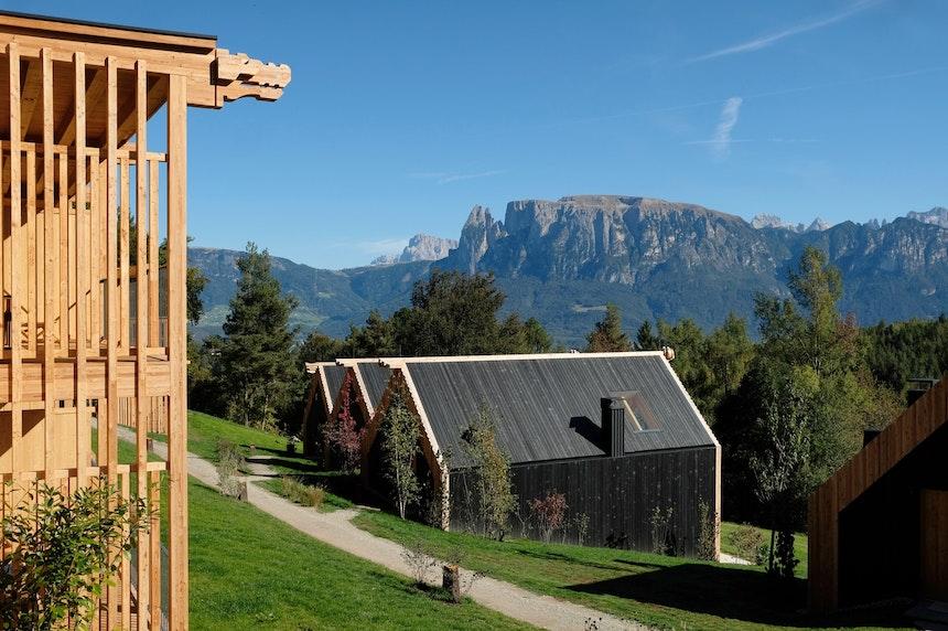 Hideaway mit Bergblick – Willkommen in der im Sommer 2019 eröffneten ADLER Lodge auf dem Ritten in Oberbozen