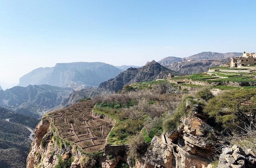 Zwei Stunden dauert der Three Village Walk durch die drei (fast) verlassenen Dörfer  Al Aqur, Al Ayn und Ash Shirayjah, die vom Hotel aus zu erreichen sind