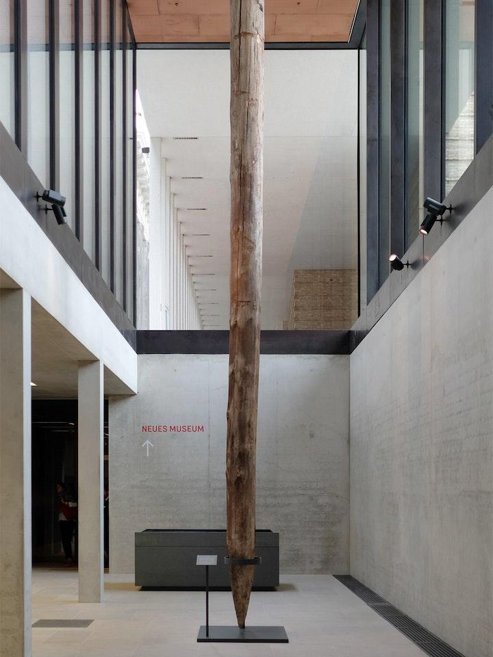 James Simon Galerie 17