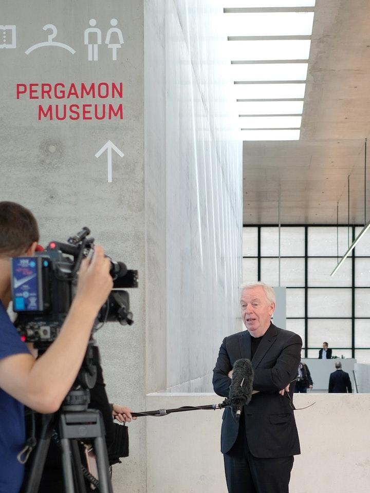 James Simon Galerie 20