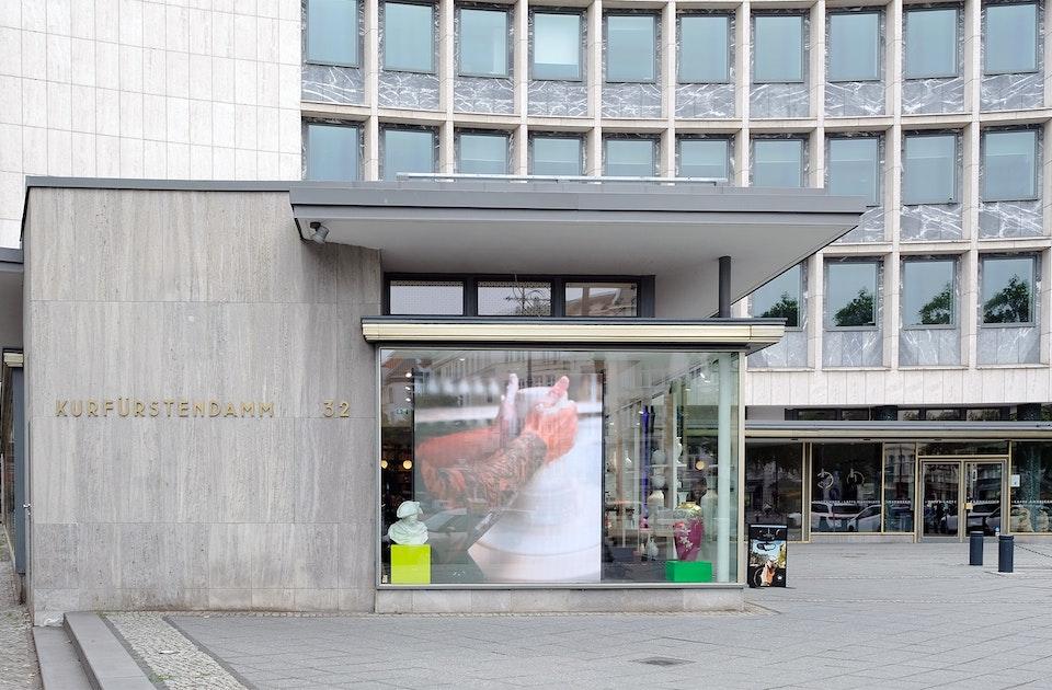 Kurfürstendamm 32 – Architektur von Hans Geber & Otto Risse, erbaut 1955/56 für eine  deutsche Versicherungs AG