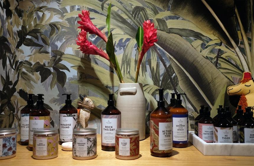 Schön für's Bad – Handseifen & Body Scrub von The Gift Label aus den Niederlanden