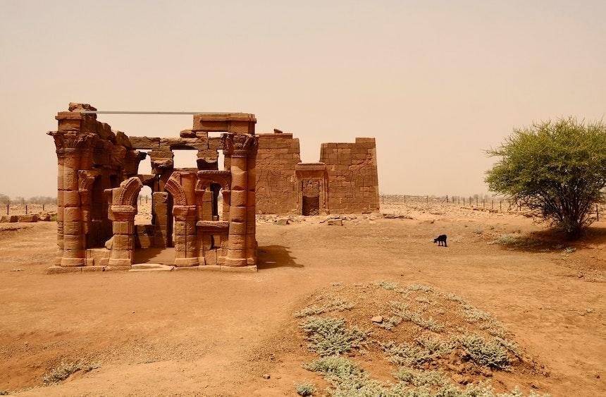 Hathorkapelle und Löwentempel