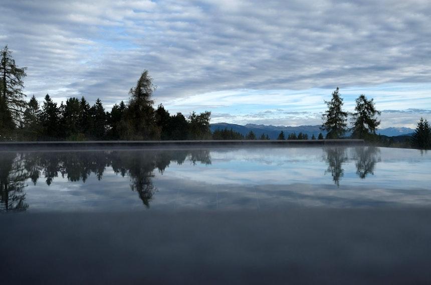 Erster »Swim« um 7.00 Uhr morgens, gleich geht die Sonne hinter den Bergen auf