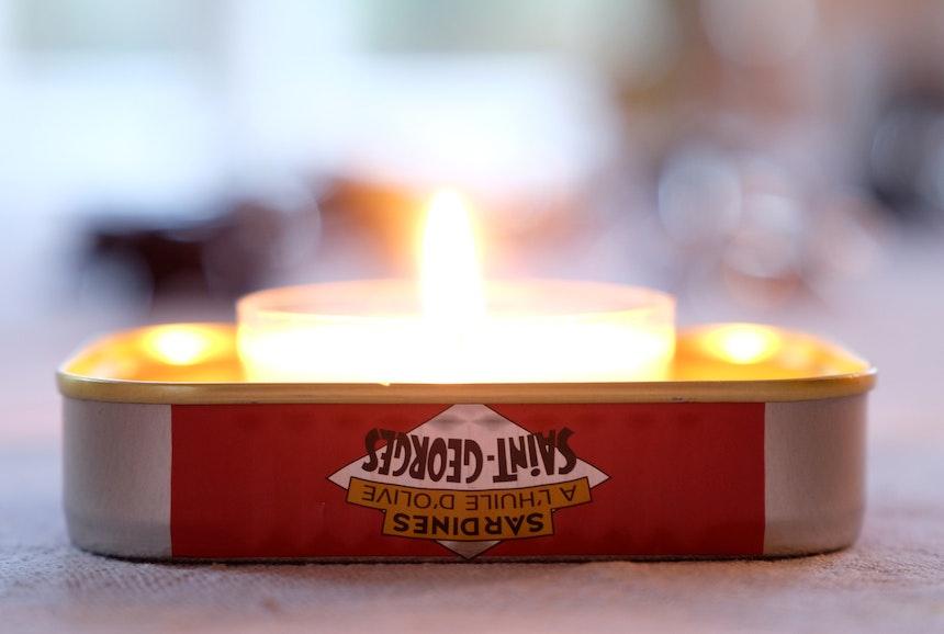 Sardinenbar Berlin Kerze