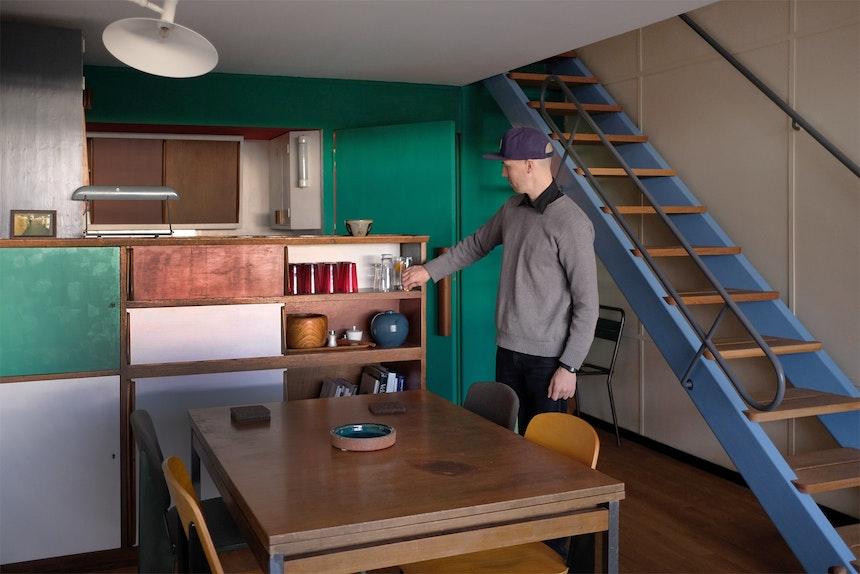 Die Treppe (Design Jean Prouvé für Le Corbusier) zur oberen Etage – gebaut nach Entwürfen Le Corbusiers