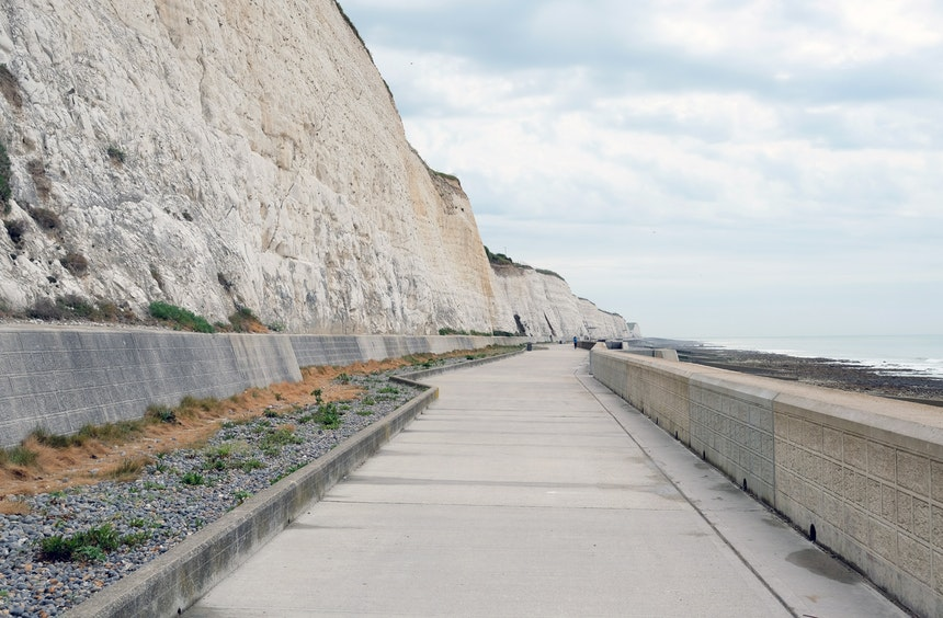 Under Cliff Walk von Brighton Marina nach Rottingdean