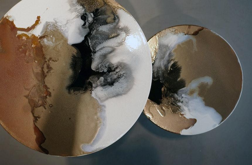 Beistelltische aus Keramik, Design Elisa Strozyk