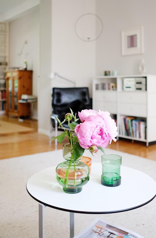 Als wäre es immer so gewesen – Alles wieder an seinem Platz und frische Blumen in der Vase