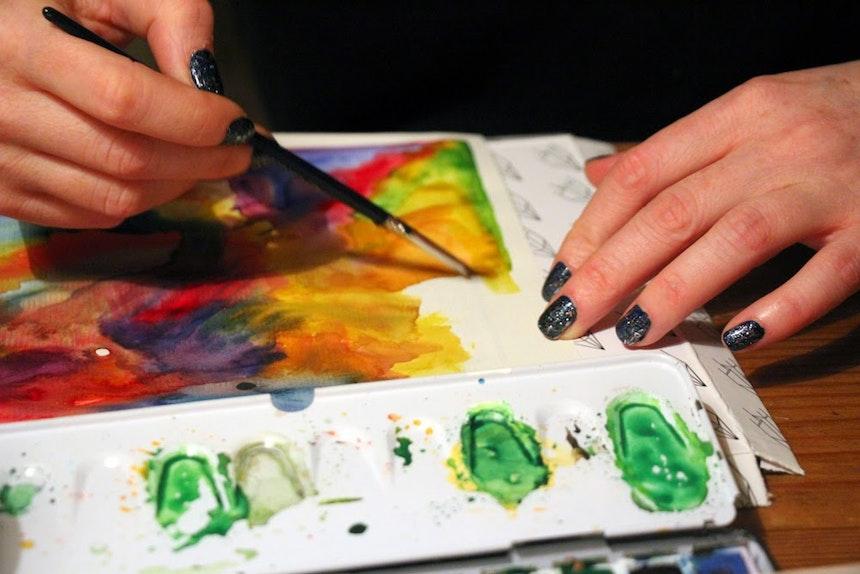 Anna: »Ich bringe doch nur Farbe auf's Papier...«