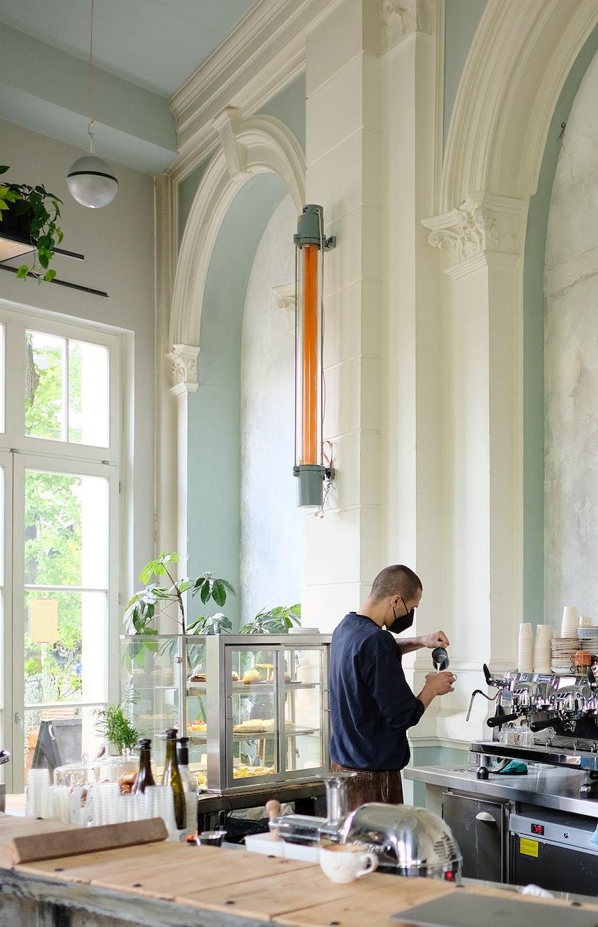 Die Kaffeebohnen kommen von der Röststätte Berlin