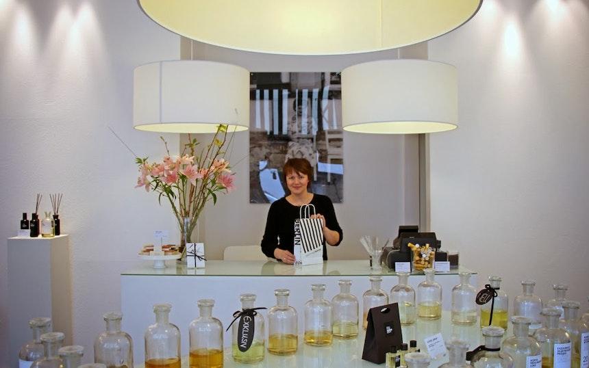 Frau Tonis Parfum Berlin 3