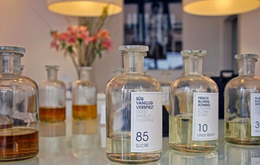 Frau Tonis Parfum Berlin 5