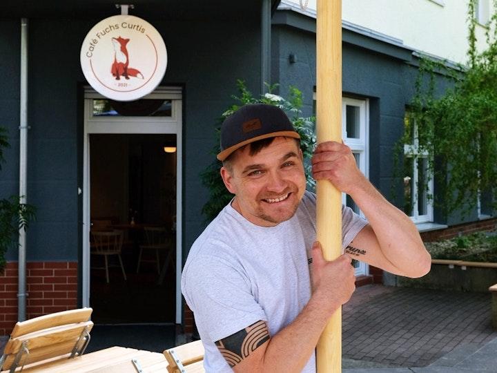 Cafe Fuchs Curtis Basti