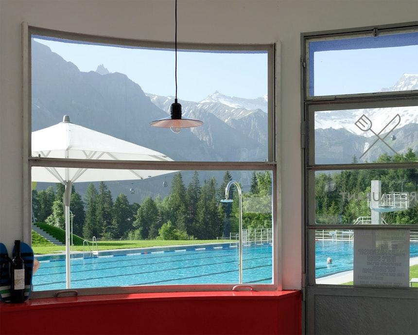 Stilgerecht eingerichtet und mit Gondelblick – Das Restaurant des Gruebi-Bads