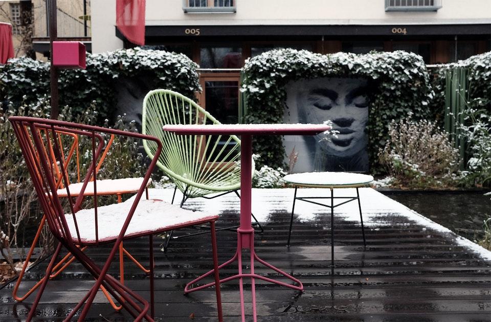 Winter im Hotelgarten, Bild der Urmutterfigur und Namensgeberin Nala