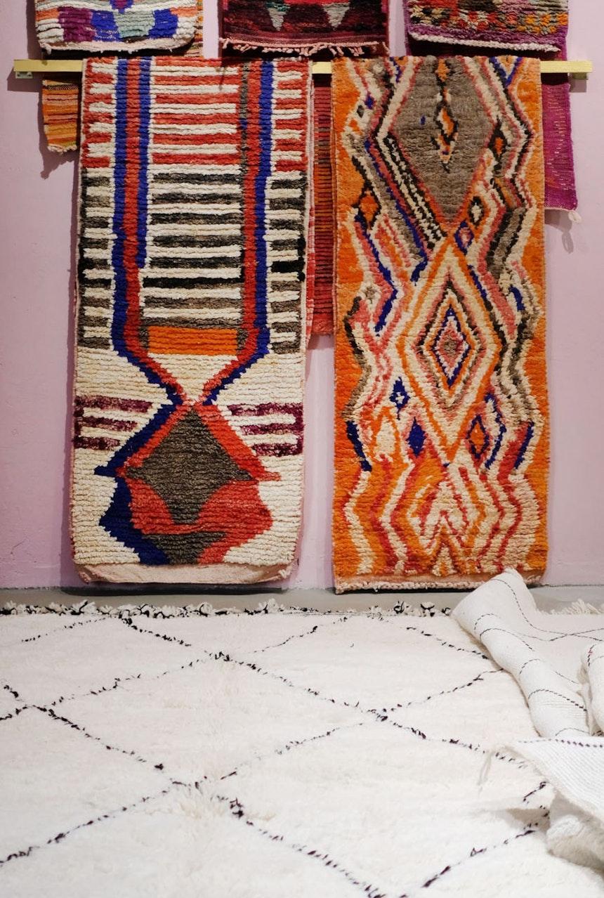 Die Teppiche von Berberlin werden in Tunesien und Marokko von kleinen Knüpfereien hergestellt