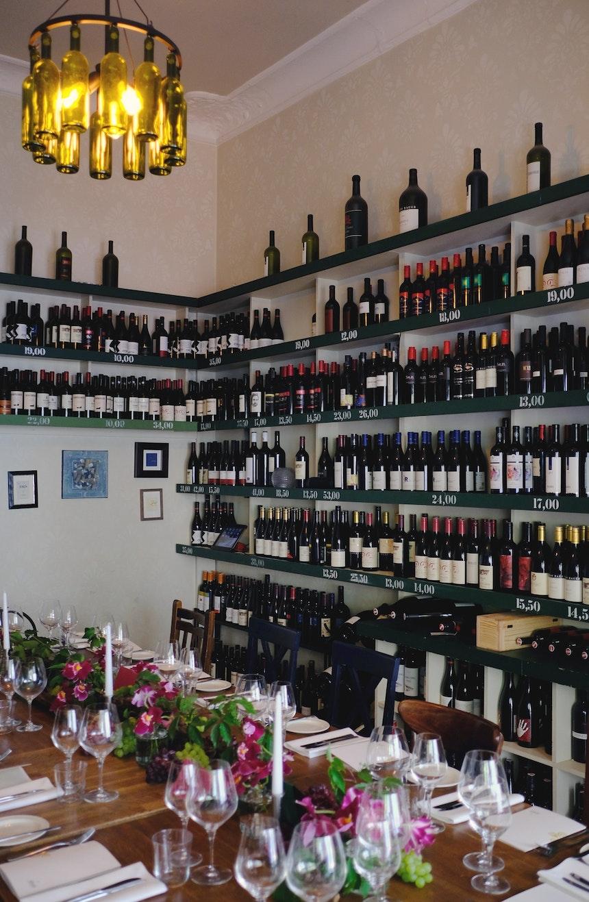 Die Weinstube – Schön eingedeckt und dekoriert