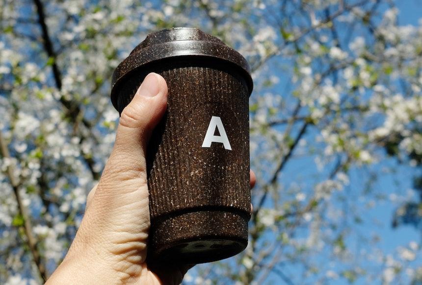 Weducer Cup aus recyceltem Kaffeesatz