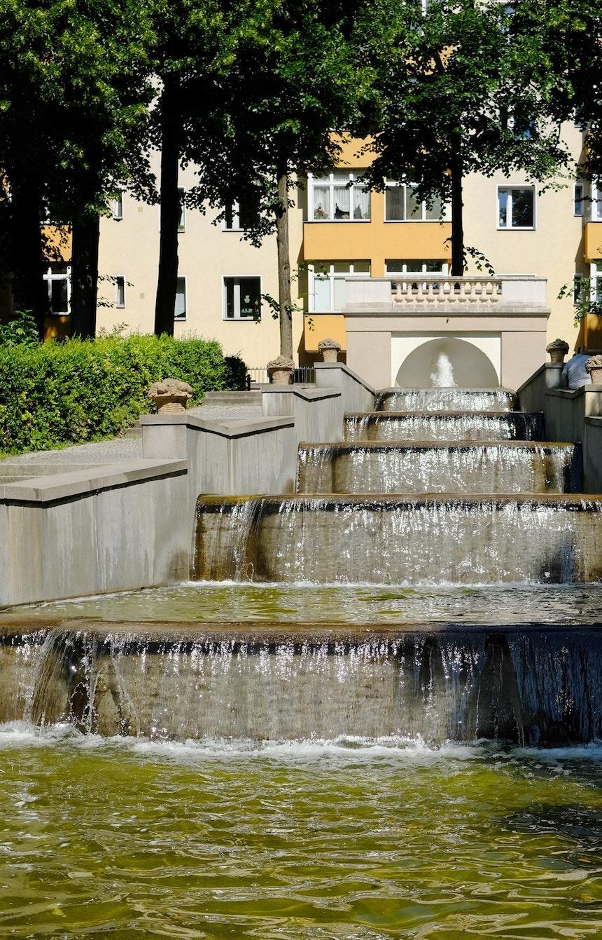 Wasserspiele an der Ostseite des Körnerparks
