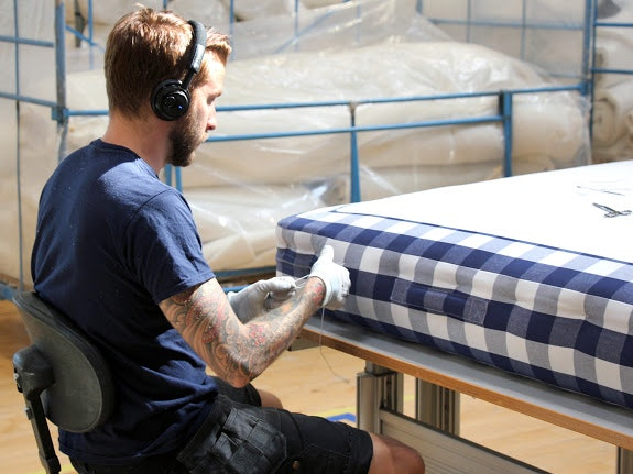 Manufakturbesuch Bei Hästens In Schweden 20