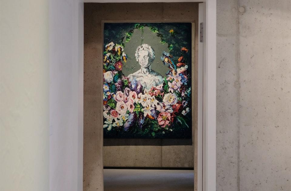 Eingang NOMADS APT., Sichtbeton & Kunst von Lennart Grau