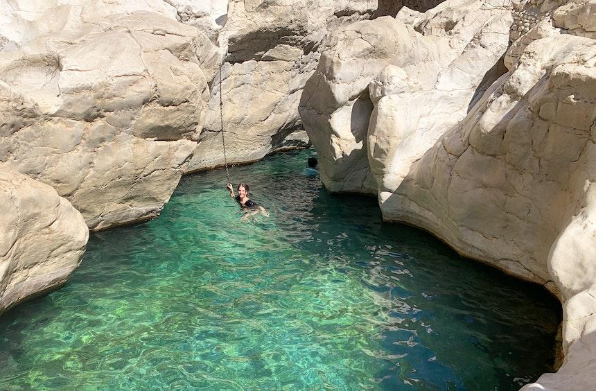 Eines der schönsten Wadis des Omans – Wadi Bani Khalid, Hadschar Gebirge