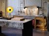 Tonnenschwerer Outdoor-Küchenblock aus Wachenzeller Dolomit, Küche aus Eiche und Naturstein für drinnen und draußen