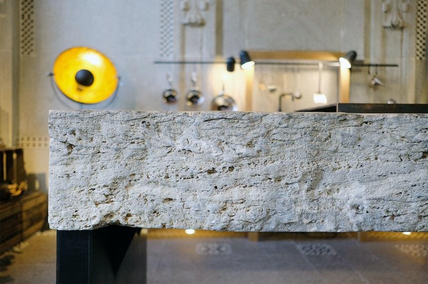 20 Zentimeter dicker Dolomit aus einem Block