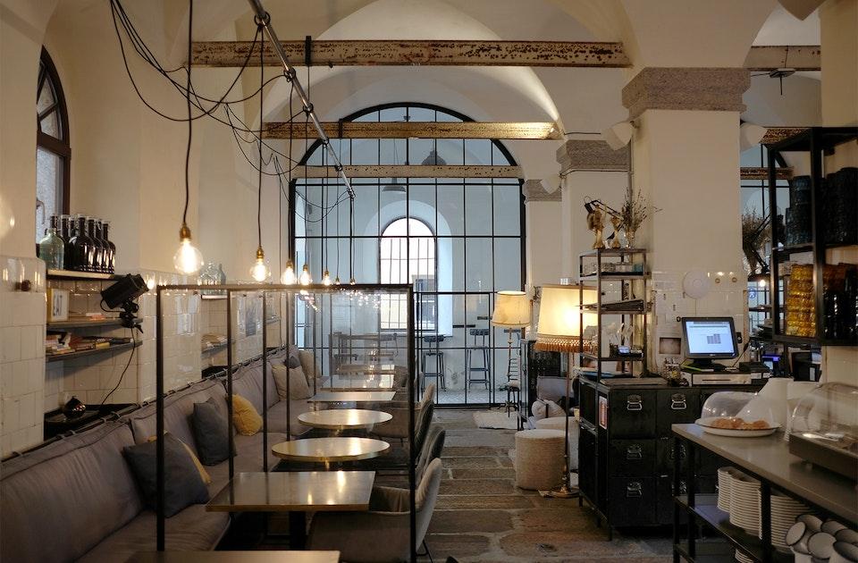Restaurant, Bar, kultureller Treffpunkt, B&B und das Wohnzimmer  Brixens – Der Alte Schlachthof in Zeiten Coronas