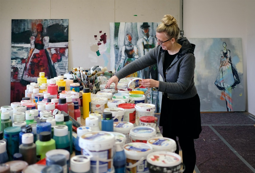 Katharina Schmidmayer in ihrem Atelier