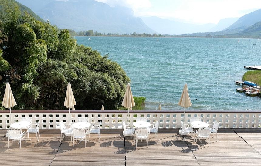 Gelungene Outdoor Möbelauswahl – die Terrassenstühle der Serie Inout von Gervasoni