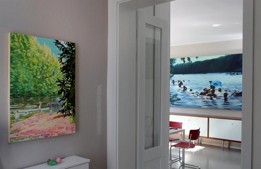 Flur with a View, Artworks Leif Trenkler (links), Cameron Rudd (rechts)