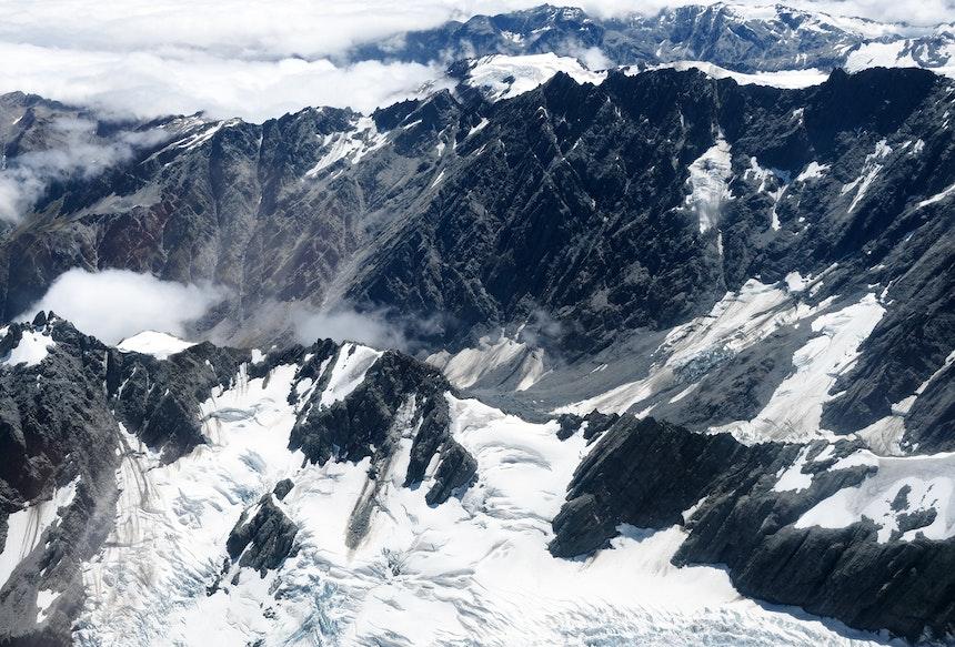 Fast 4000 Meter hohe Berge von oben betrachten zu können, ist etwas ganz Besonderes und unglaublich beeindruckend