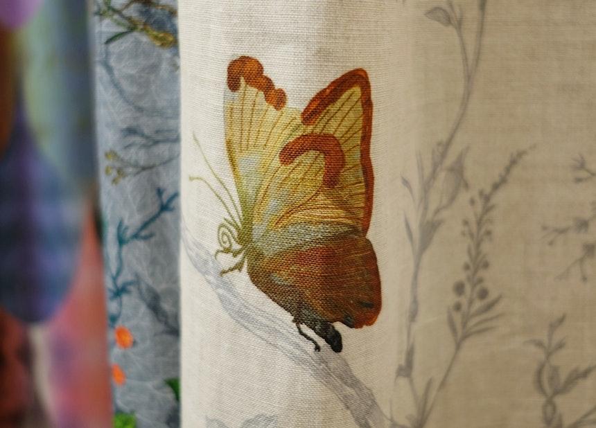 Detail des Leinenstoffs »Butterflies«
