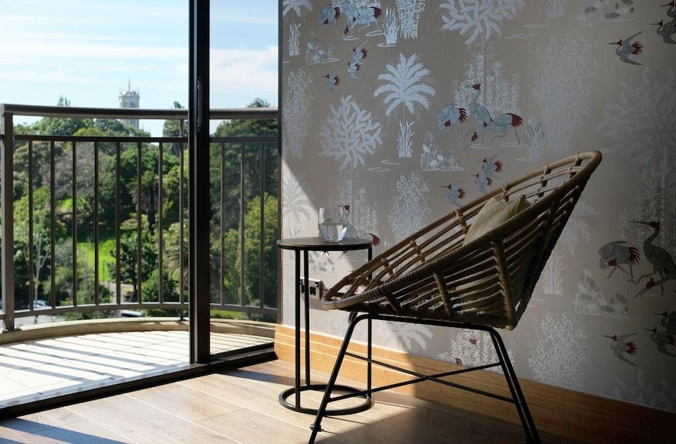 Grüne Aussicht aus der 12. Etage des Metropolis Buildings – Aucklands höchstem Wohnhaus