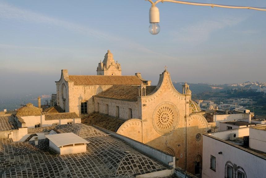 Grandiose Aussicht – Die Kathedrale mit ihrer prächtigen Rosette