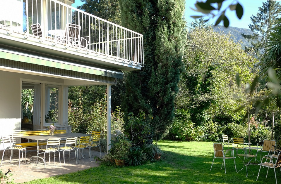 Sixties Feeling im Jugendstilviertel Obermais in Meran – Villa Fluggi mit verwunschenem Garten