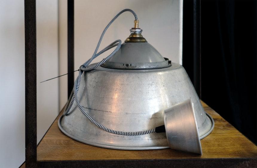 »1/1«- Lampe aus Altmaterialien