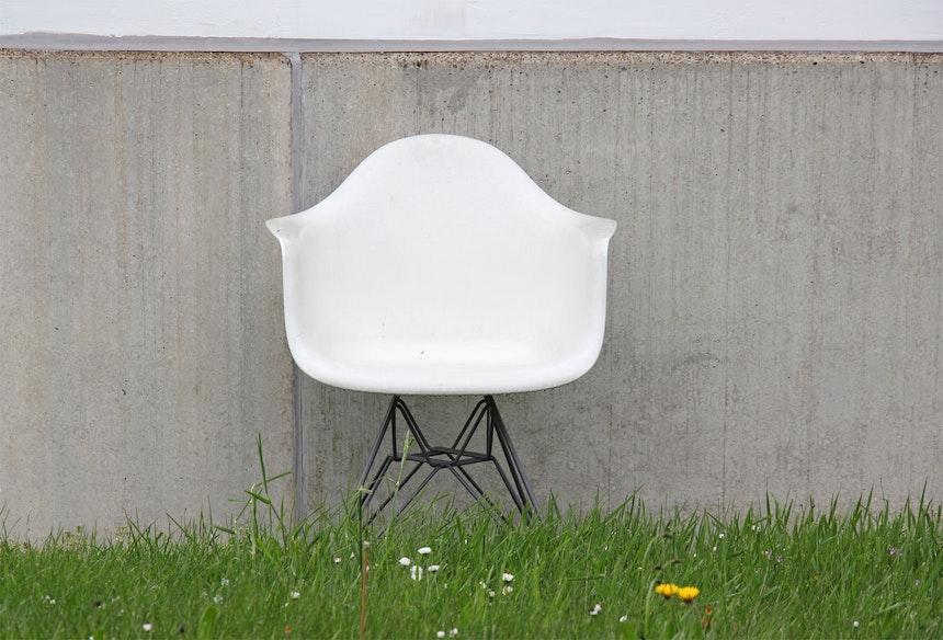 Vitra DAW Chair, Ray & Charles Eames auf dem Campus-Gelände
